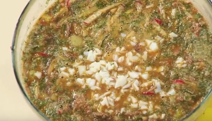 Окрошка на квасе с колбасой — Топ 5 самых вкусных рецептов
