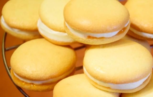 Нежное пирожное на французский манер всего за 20 минут. Результат превзошел все ожидания.