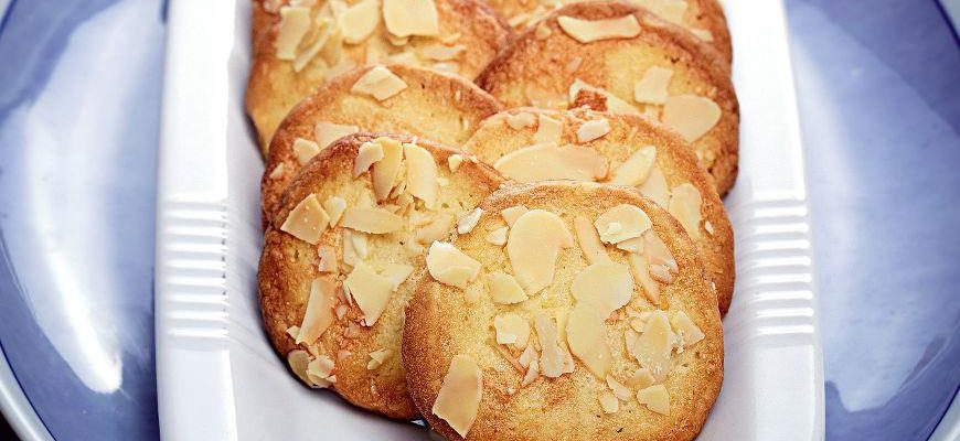 Лимонное печенье с миндалем