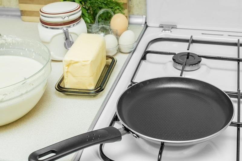 Как я готовлю любимый «Наполеон» на даче. Нет духовки — не беда, сковородка меня еще никогда не подводила!