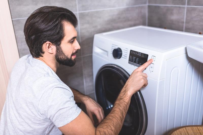 Как правильно стирать обувь в стиральной машинке