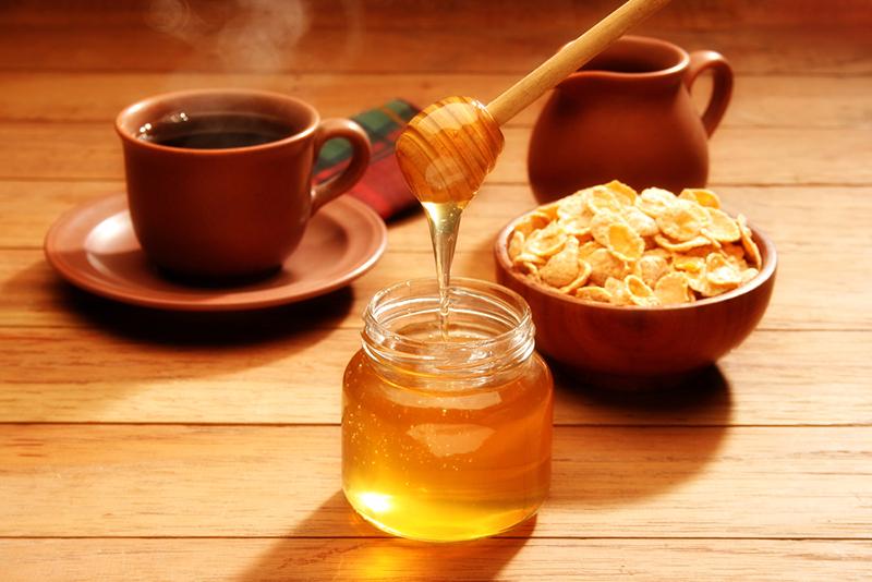 Почему необходимо есть творог с мёдом чаще