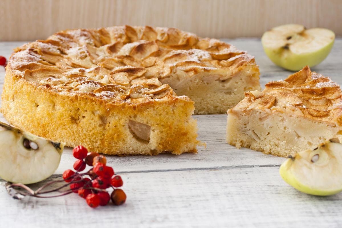 яблочный пирог из ряженки рецепт с фото