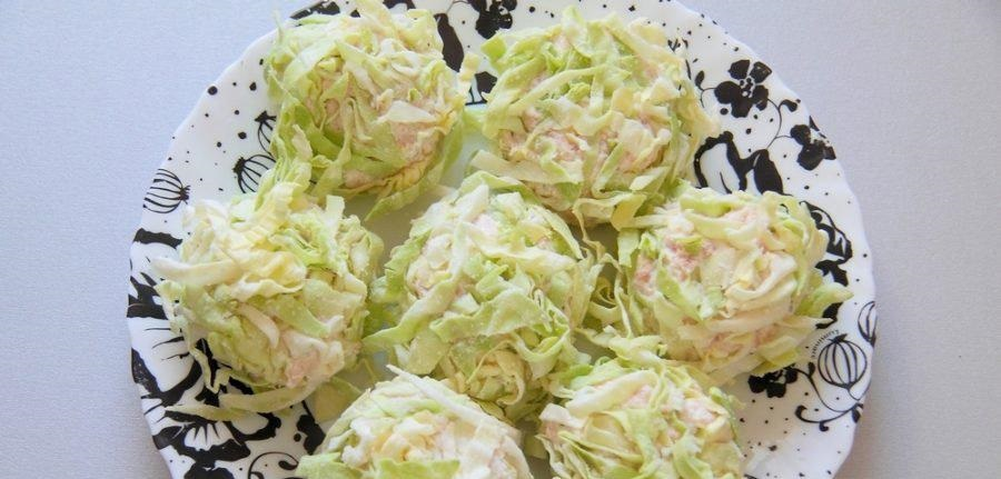 Диетические куриные фрикадельки в капустной панировке