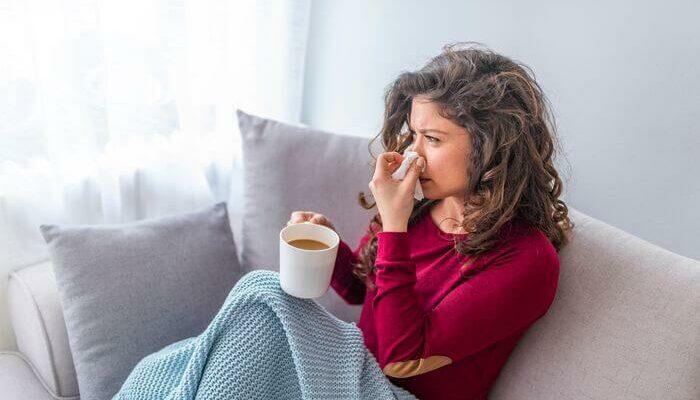 Три признака того, что у вас не COVID-19, а обыкновенная простуда