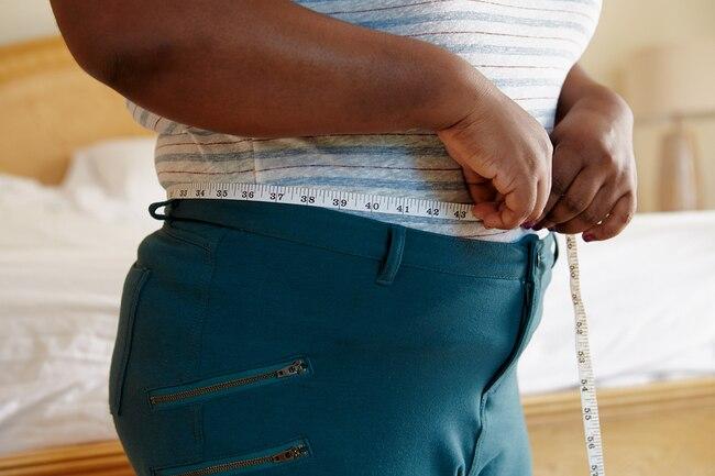 Факты о жире на животе: почему спорт и диеты не помогают